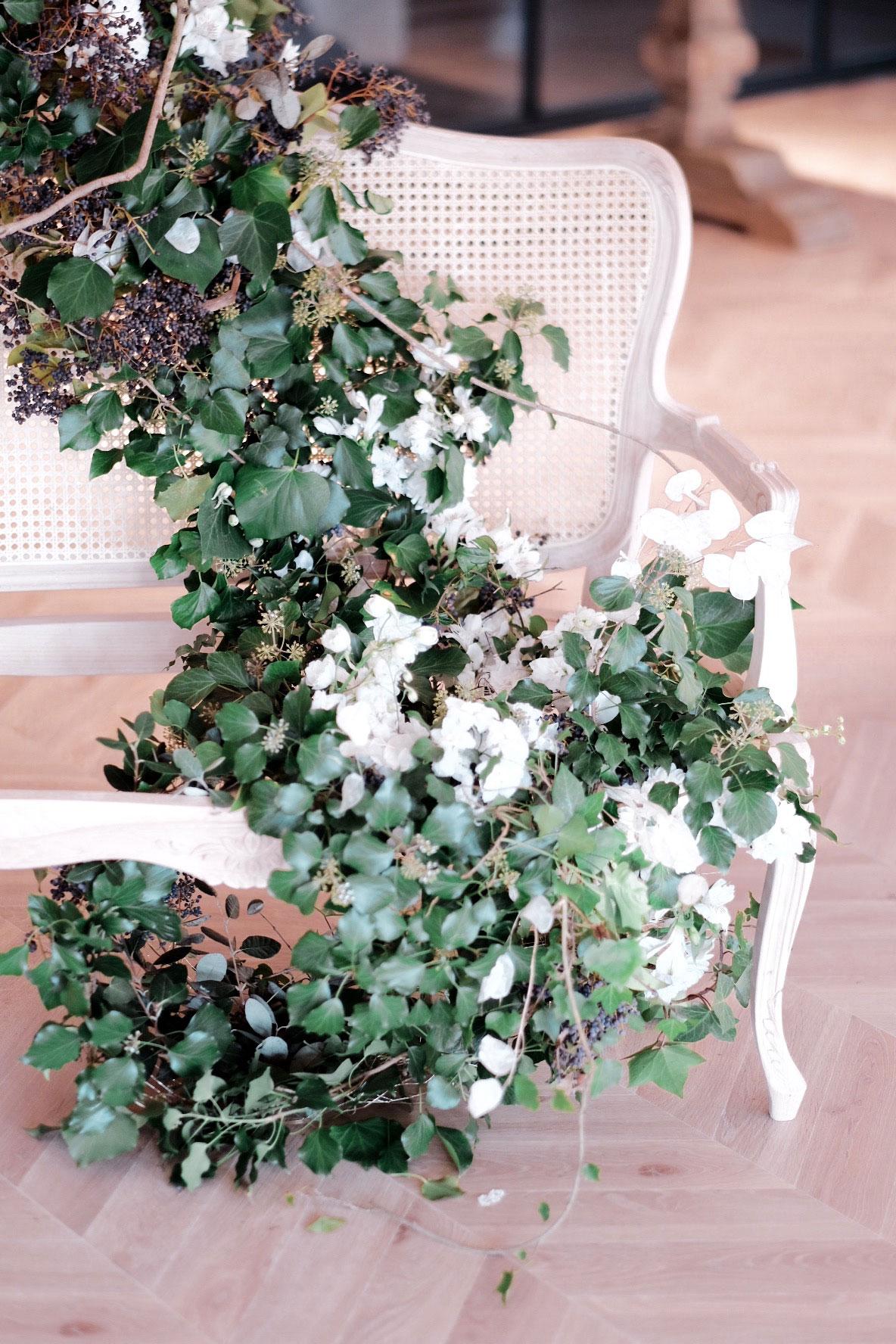 Arbolande-flores-instalacion-floral-AquedutoEventos-bienvenida-escaparate